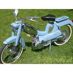 Bombe De Peinture Bleue Clair Brillant Avec Durcisseur Pour Mobylette Motobecane Motoconfort Aprés 1961 (Marque SPRIDO)